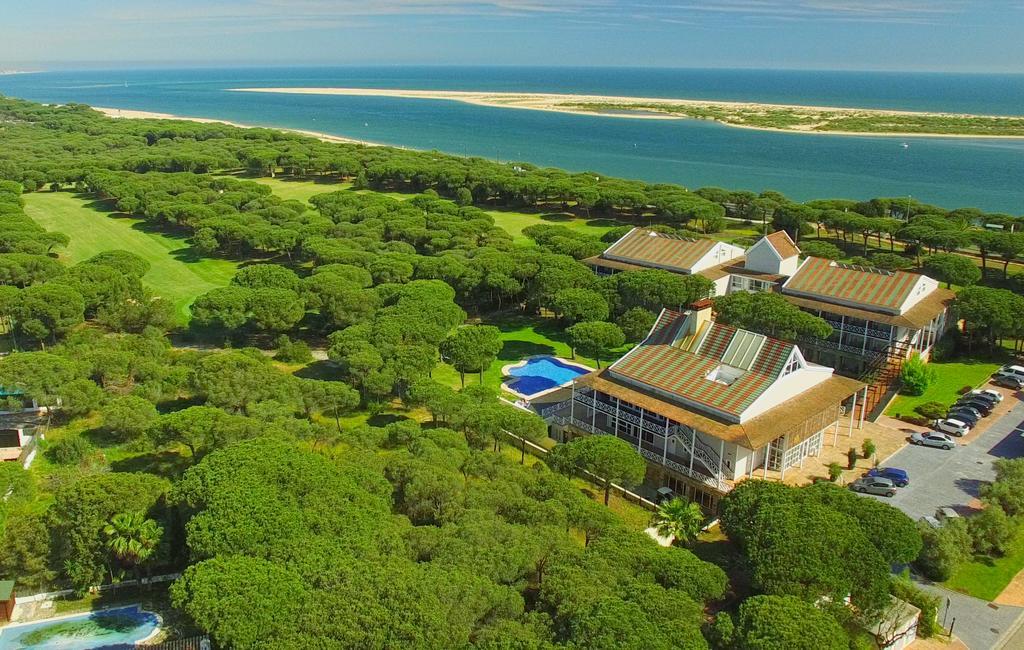 https://golftravelpeople.com/wp-content/uploads/2019/04/Nuevo-Portil-Golf-Hotel-27.jpg