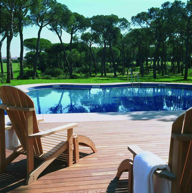 https://golftravelpeople.com/wp-content/uploads/2019/04/Nuevo-Portil-Golf-Hotel-33.jpg