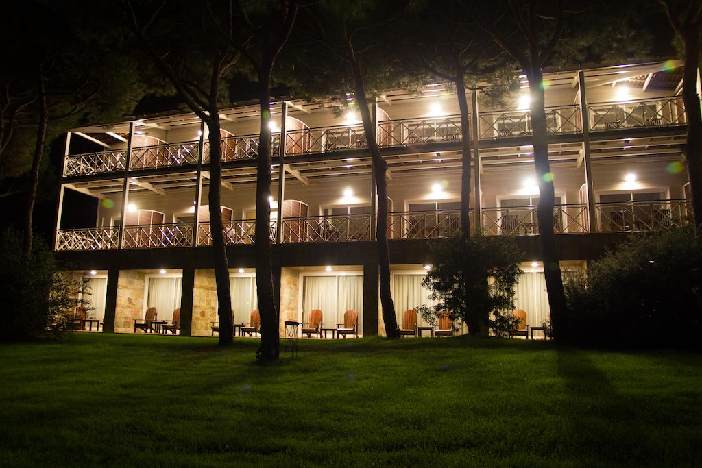 https://golftravelpeople.com/wp-content/uploads/2019/04/Nuevo-Portil-Golf-Hotel-9.jpg