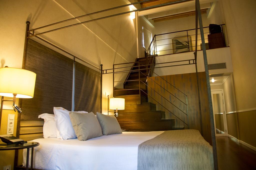 https://golftravelpeople.com/wp-content/uploads/2019/04/Nuevo-Portil-Golf-Hotel-Bedrooms-5.jpg