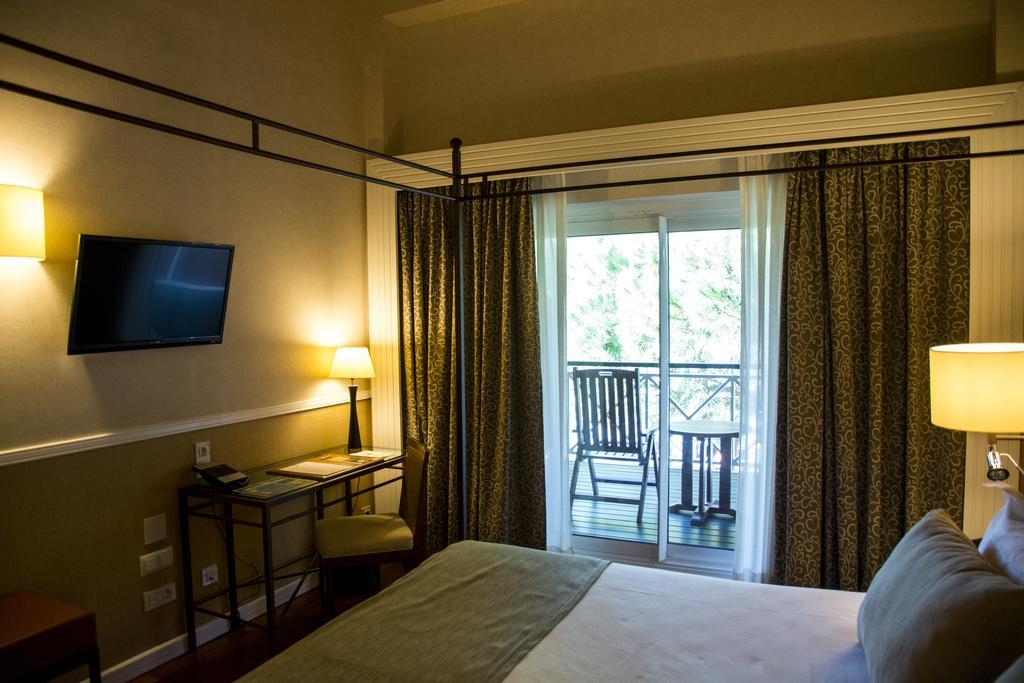 https://golftravelpeople.com/wp-content/uploads/2019/04/Nuevo-Portil-Golf-Hotel-Bedrooms-6.jpg