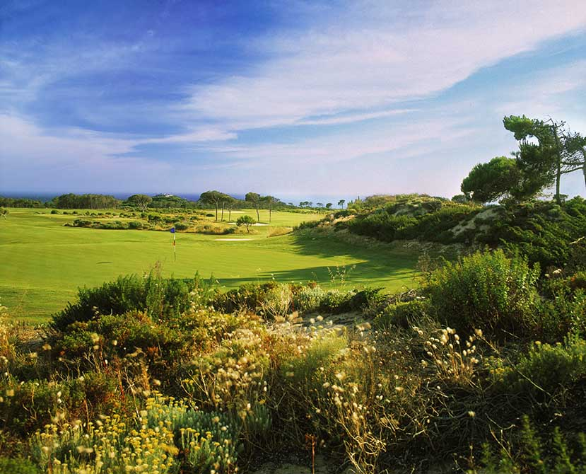https://golftravelpeople.com/wp-content/uploads/2019/04/Oitavos-Dunes-Golf-Club-4.jpg