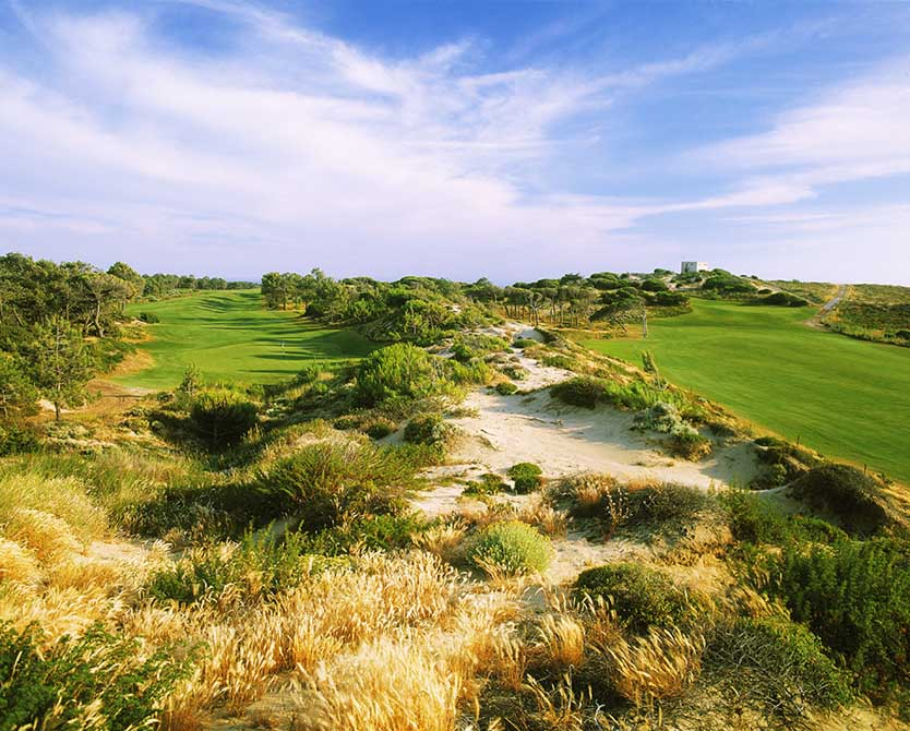 https://golftravelpeople.com/wp-content/uploads/2019/04/Oitavos-Dunes-Golf-Club-5.jpg