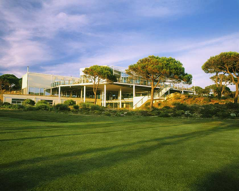 https://golftravelpeople.com/wp-content/uploads/2019/04/Oitavos-Dunes-Golf-Club-6.jpg