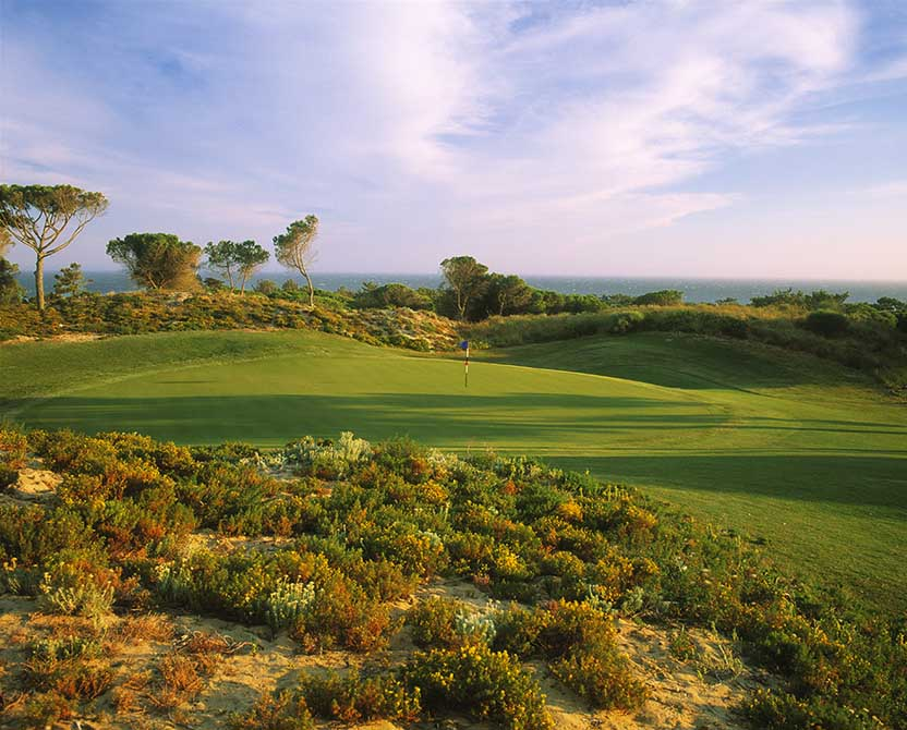 https://golftravelpeople.com/wp-content/uploads/2019/04/Oitavos-Dunes-Golf-Club-8.jpg