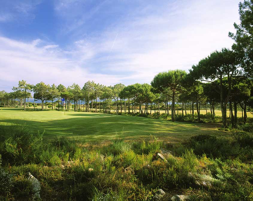 https://golftravelpeople.com/wp-content/uploads/2019/04/Oitavos-Dunes-Golf-Club-9.jpg