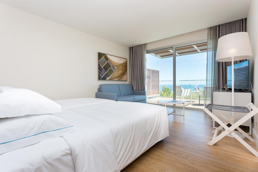 https://golftravelpeople.com/wp-content/uploads/2019/04/Onyria-Palmares-Beach-House-Hotel-New-13.jpg