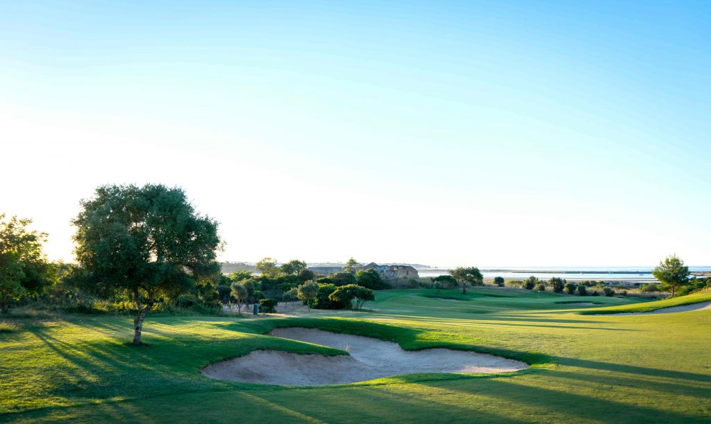 https://golftravelpeople.com/wp-content/uploads/2019/04/Onyria-Palmares-Golf-Club-Lagos-Algarve-Portugal-10-min-1024x612.jpg