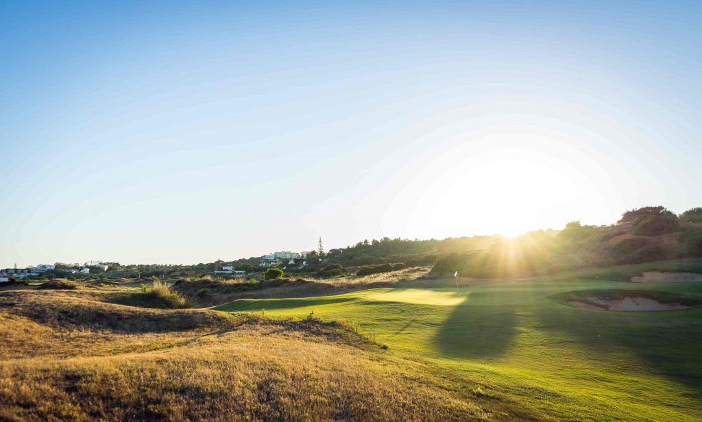 https://golftravelpeople.com/wp-content/uploads/2019/04/Onyria-Palmares-Golf-Club-Lagos-Algarve-Portugal-20-min-1024x616.jpg
