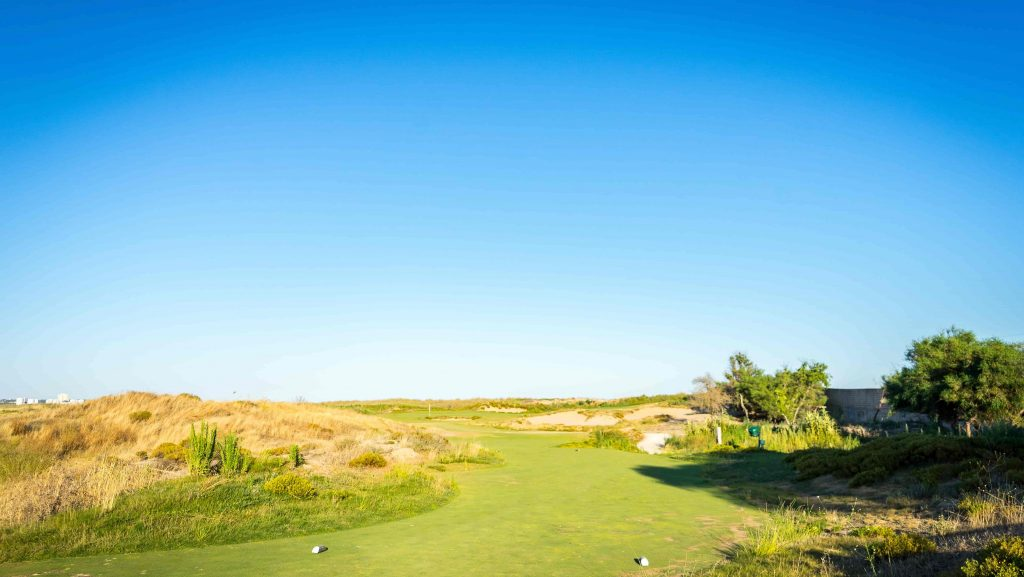 https://golftravelpeople.com/wp-content/uploads/2019/04/Onyria-Palmares-Golf-Club-Lagos-Algarve-Portugal-33-min-1024x577.jpg