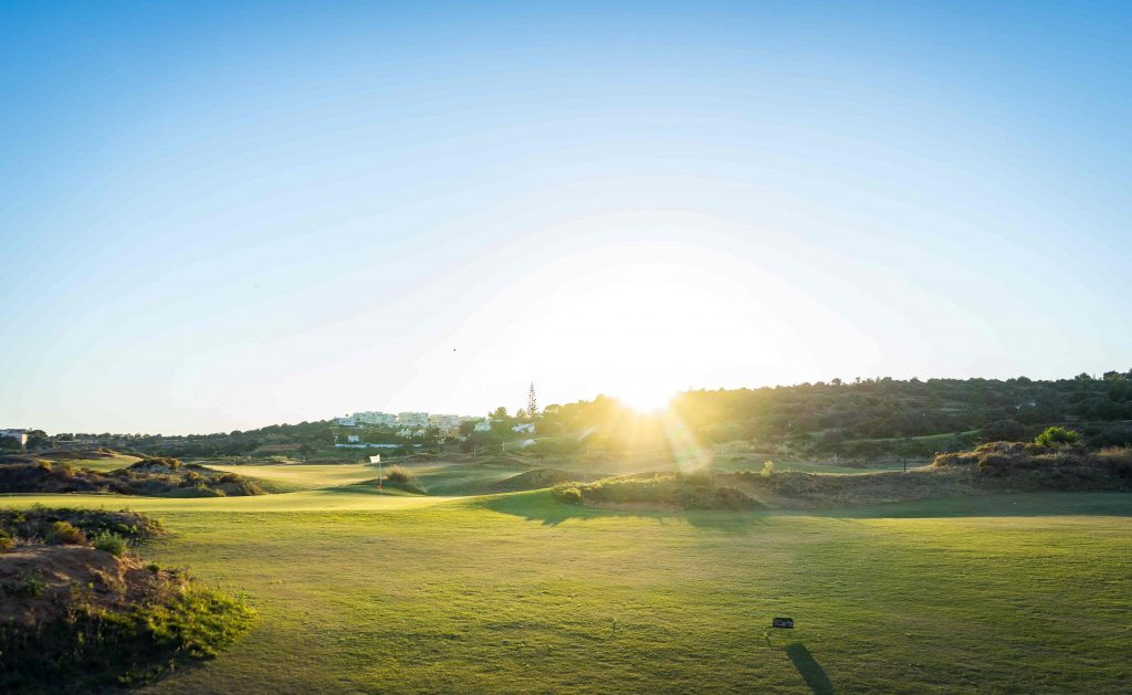 https://golftravelpeople.com/wp-content/uploads/2019/04/Onyria-Palmares-Golf-Club-Lagos-Algarve-Portugal-40-min-1024x629.jpg