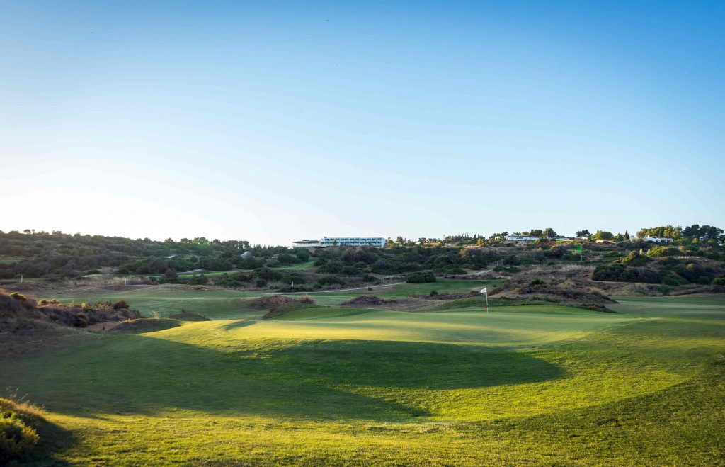 https://golftravelpeople.com/wp-content/uploads/2019/04/Onyria-Palmares-Golf-Club-Lagos-Algarve-Portugal-41-min-1024x659.jpg