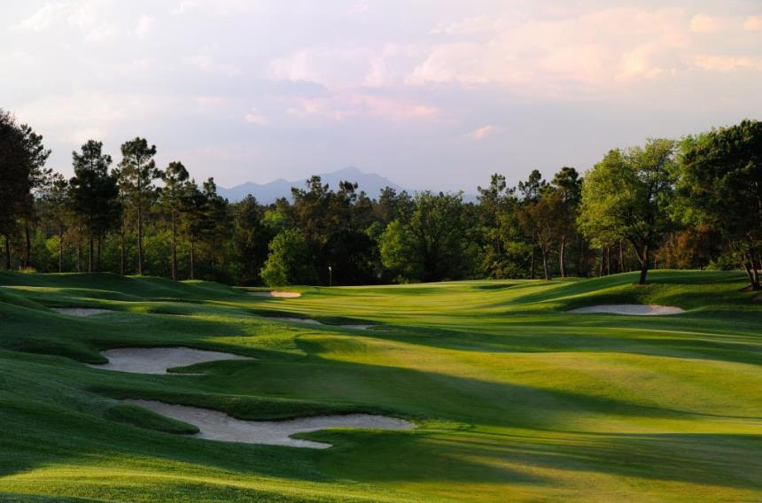 https://golftravelpeople.com/wp-content/uploads/2019/04/PGA-Catalunya-Tour-Course-1.jpg