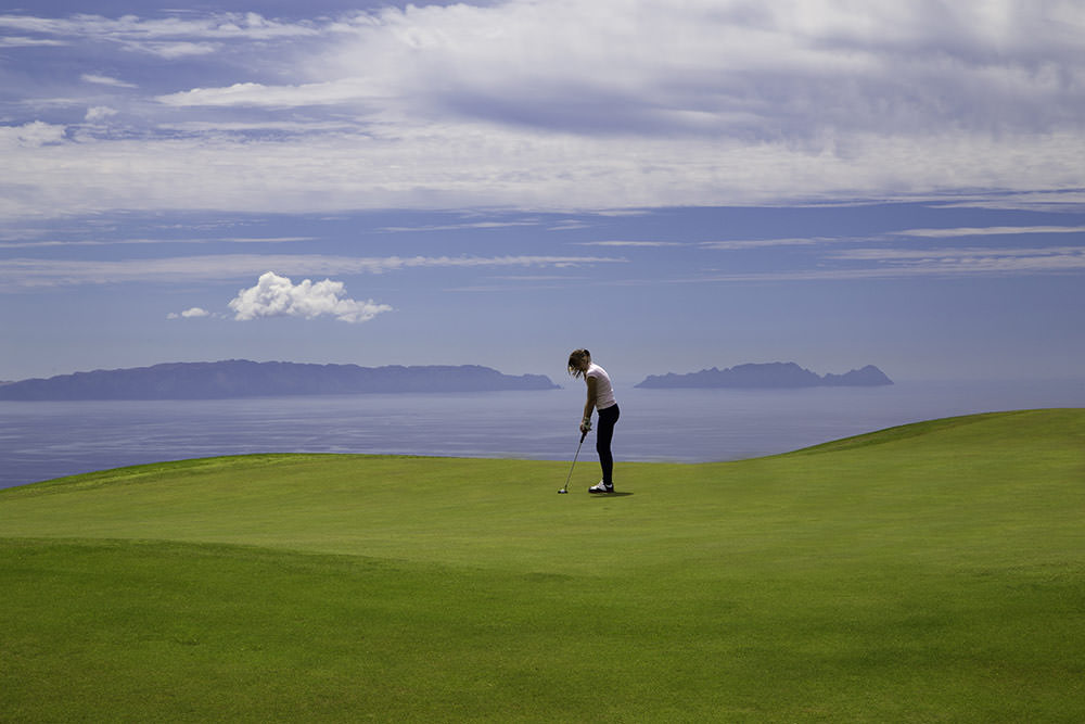 https://golftravelpeople.com/wp-content/uploads/2019/04/Palheiro-Golf-Club-Madeira-18-1.jpg