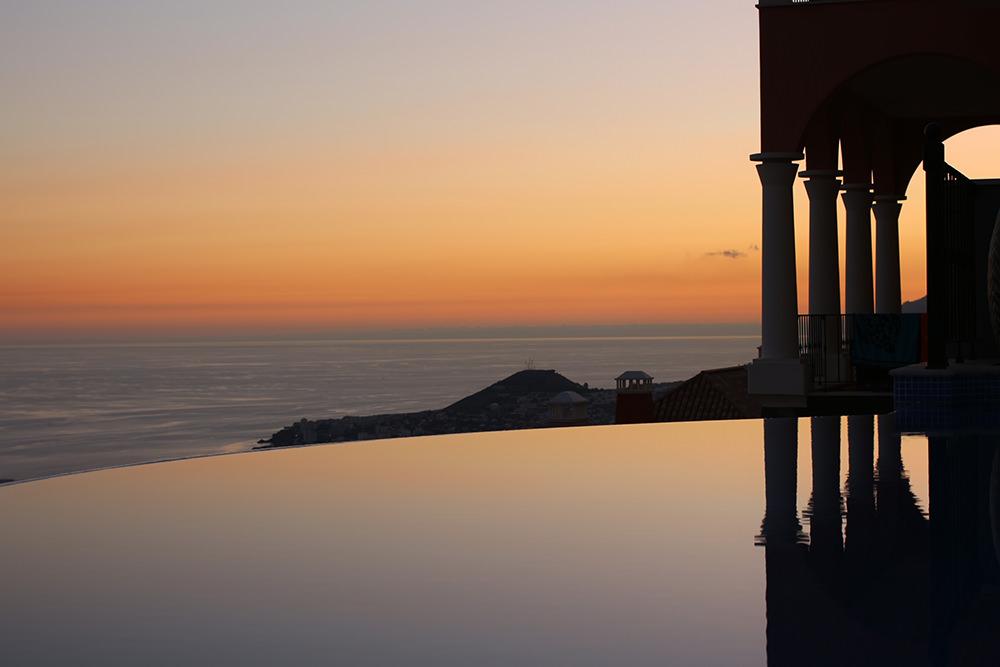 https://golftravelpeople.com/wp-content/uploads/2019/04/Palheiro-Village-Villas-and-Apartments-Madeira-1.jpg