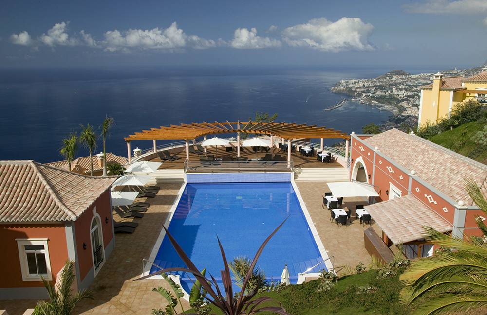 https://golftravelpeople.com/wp-content/uploads/2019/04/Palheiro-Village-Villas-and-Apartments-Madeira-15.jpg