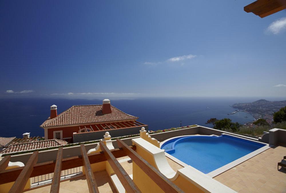 https://golftravelpeople.com/wp-content/uploads/2019/04/Palheiro-Village-Villas-and-Apartments-Madeira-5.jpg
