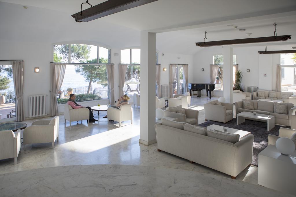 https://golftravelpeople.com/wp-content/uploads/2019/04/Park-Hotel-San-Jorge-Spa-26.jpg