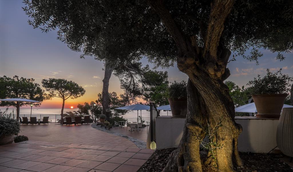 https://golftravelpeople.com/wp-content/uploads/2019/04/Park-Hotel-San-Jorge-Spa-4.jpg