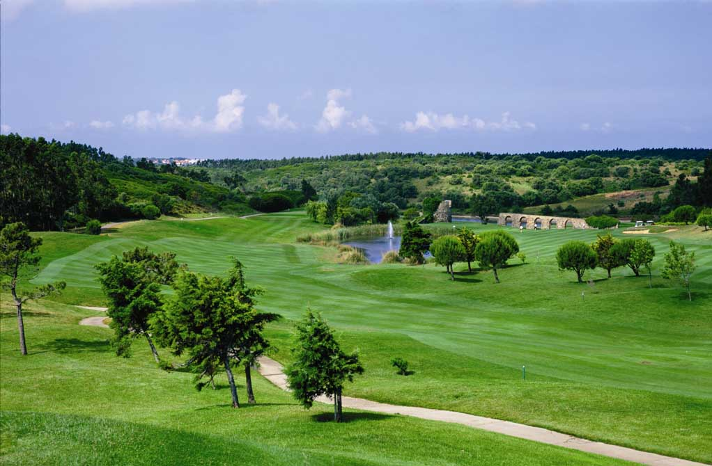 https://golftravelpeople.com/wp-content/uploads/2019/04/Penha-Longa-Golf-Club-1.jpg