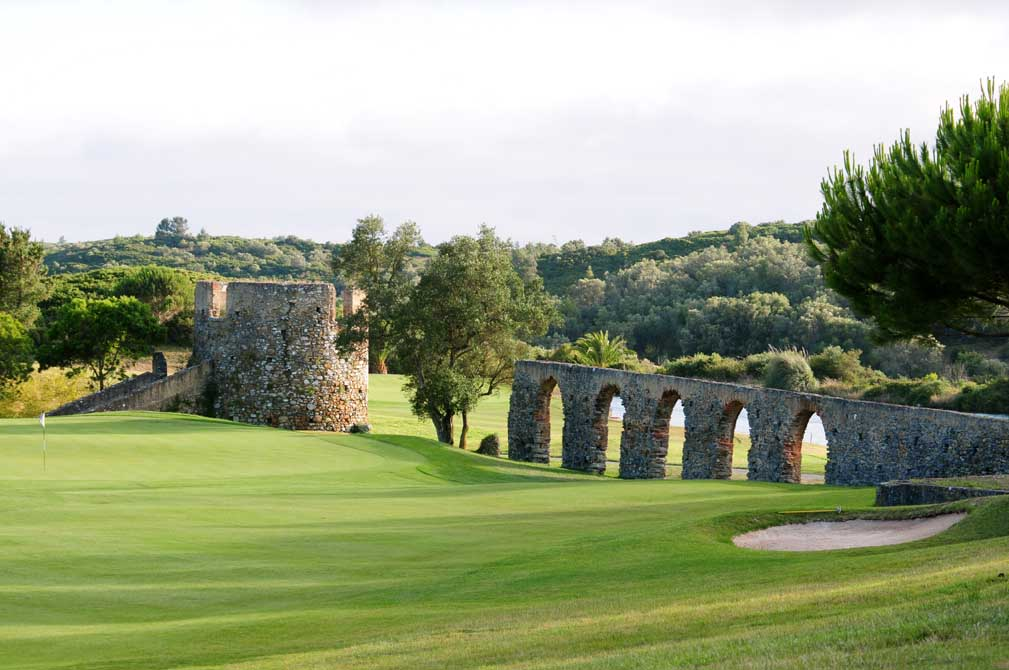 https://golftravelpeople.com/wp-content/uploads/2019/04/Penha-Longa-Golf-Club-12.jpg
