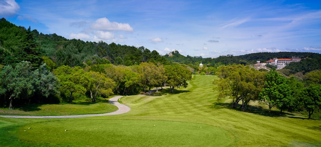 https://golftravelpeople.com/wp-content/uploads/2019/04/Penha-Longa-Golf-Club-160715-6-1024x470.jpg