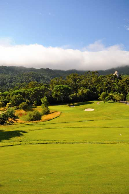 https://golftravelpeople.com/wp-content/uploads/2019/04/Penha-Longa-Golf-Club-6.jpg
