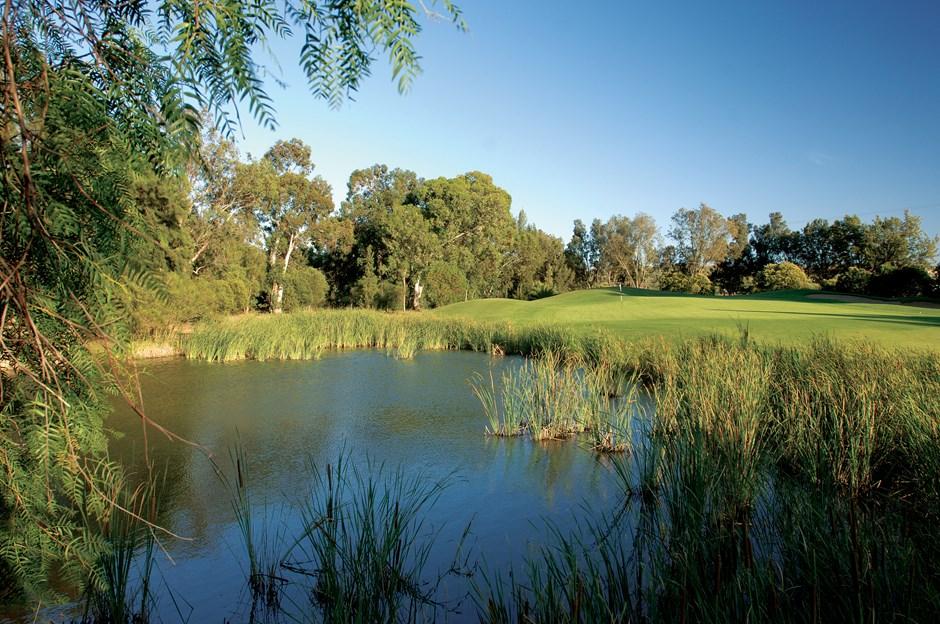 https://golftravelpeople.com/wp-content/uploads/2019/04/Penina-Golf-Resort-Henry-Cotton-Championship-Course-2.jpg