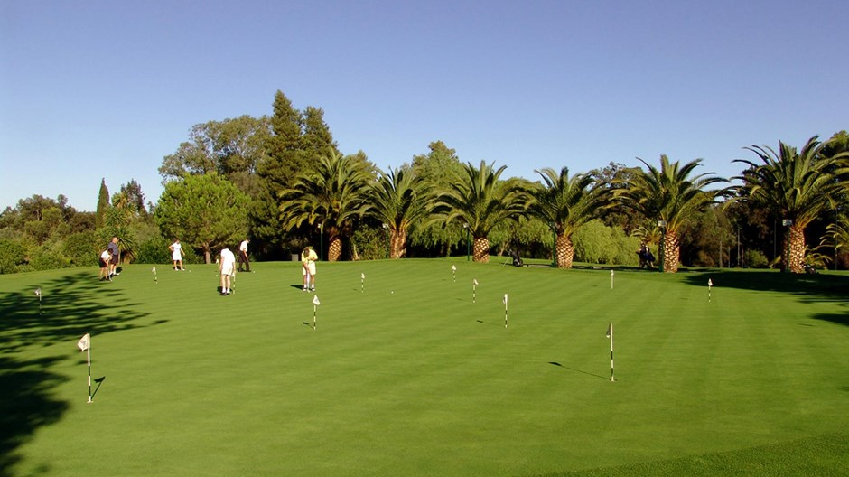 https://golftravelpeople.com/wp-content/uploads/2019/04/Penina-Golf-Resort-Henry-Cotton-Championship-Course-9.jpg