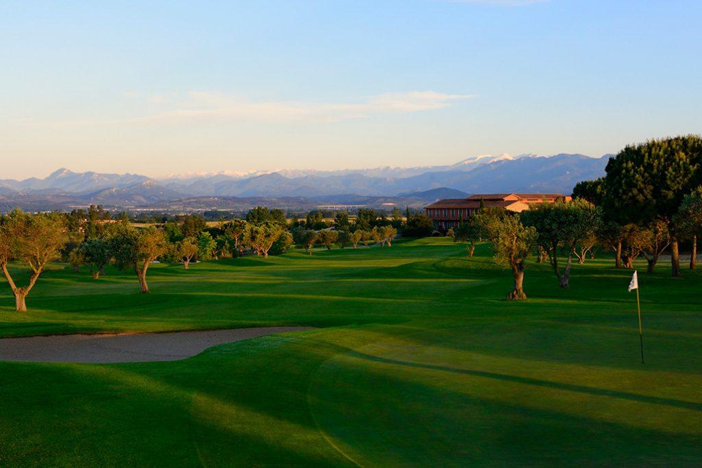 https://golftravelpeople.com/wp-content/uploads/2019/04/Peralada-Golf-Club-1-1024x683.jpg