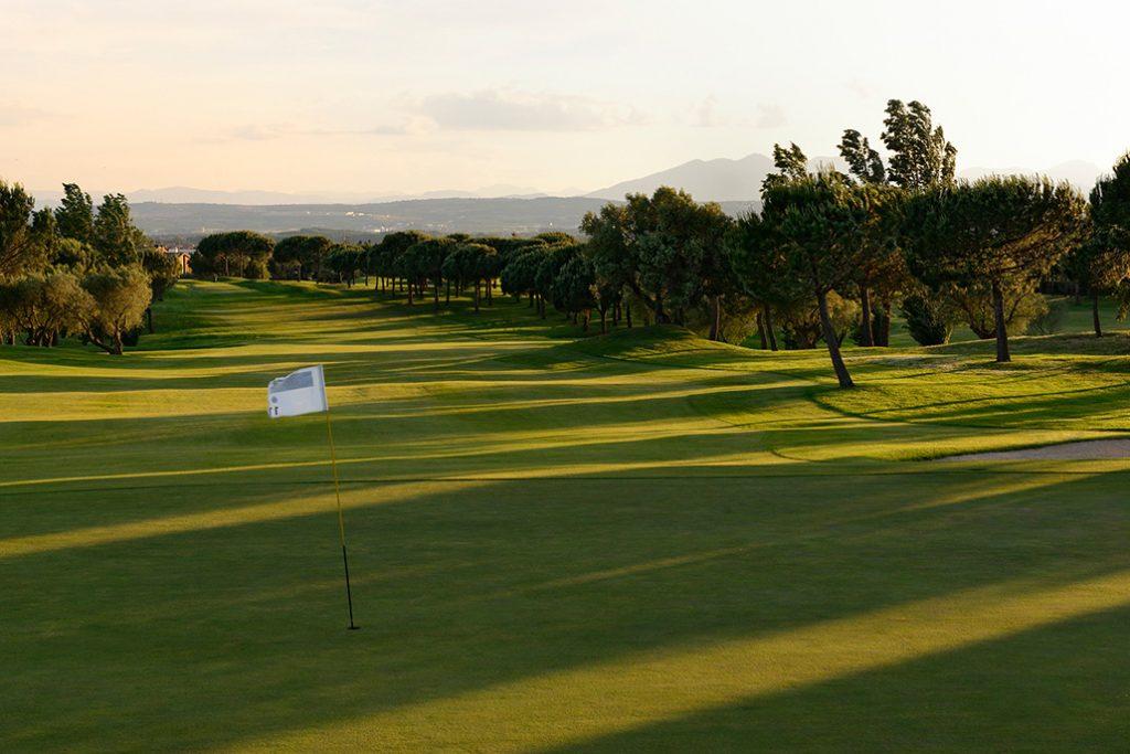 https://golftravelpeople.com/wp-content/uploads/2019/04/Peralada-Golf-Club-10-1024x683.jpg