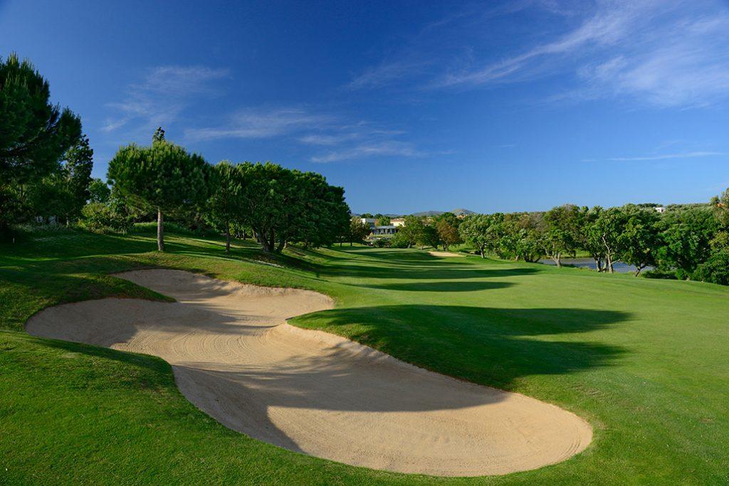 https://golftravelpeople.com/wp-content/uploads/2019/04/Peralada-Golf-Club-4-1024x683.jpg