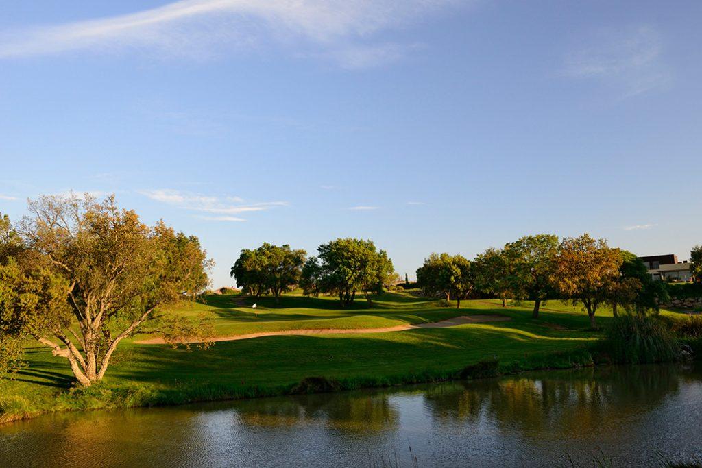 https://golftravelpeople.com/wp-content/uploads/2019/04/Peralada-Golf-Club-6-1024x683.jpg