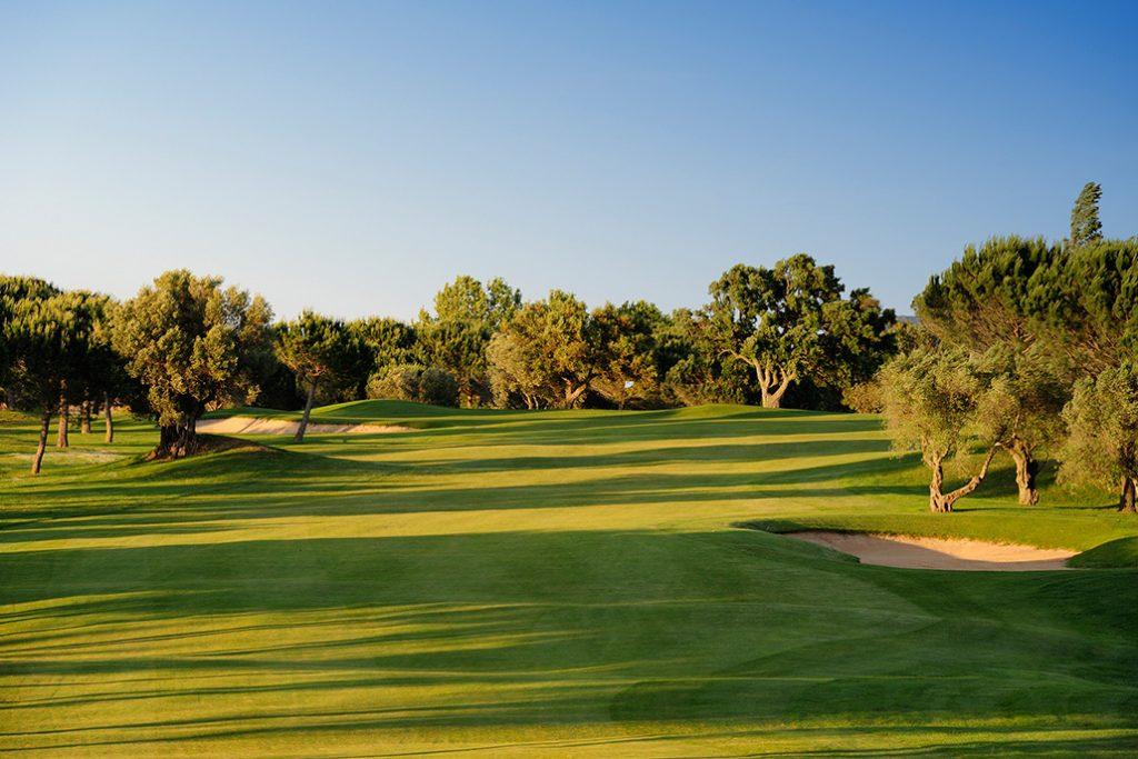 https://golftravelpeople.com/wp-content/uploads/2019/04/Peralada-Golf-Club-7-1024x683.jpg
