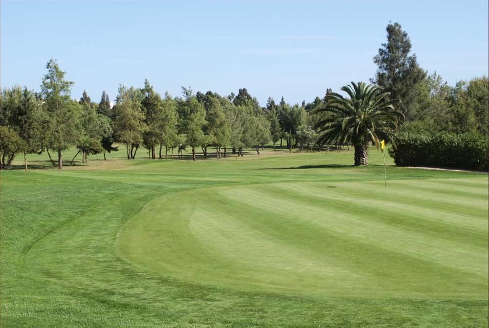 https://golftravelpeople.com/wp-content/uploads/2019/04/Pestana-Alto-Golf-Club-1.jpg