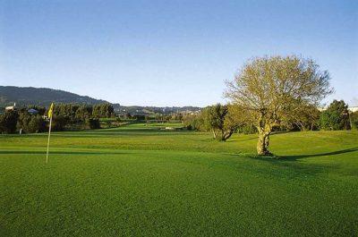 https://golftravelpeople.com/wp-content/uploads/2019/04/Pestana-Beloura-Golf-Club-4-400x265.jpg
