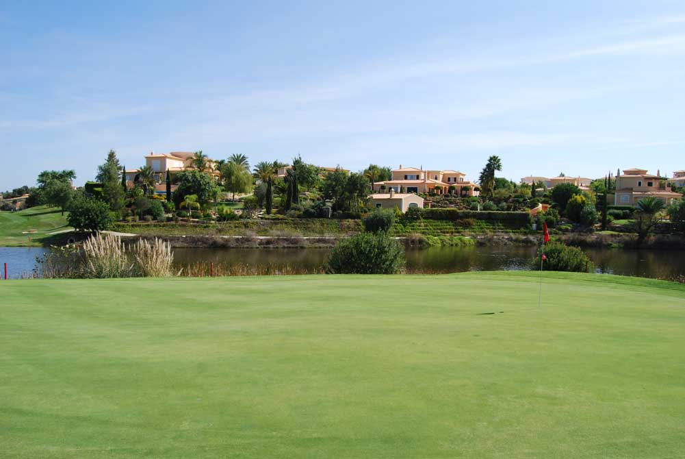 https://golftravelpeople.com/wp-content/uploads/2019/04/Pestana-Gramacho-Golf-Club-3.jpg