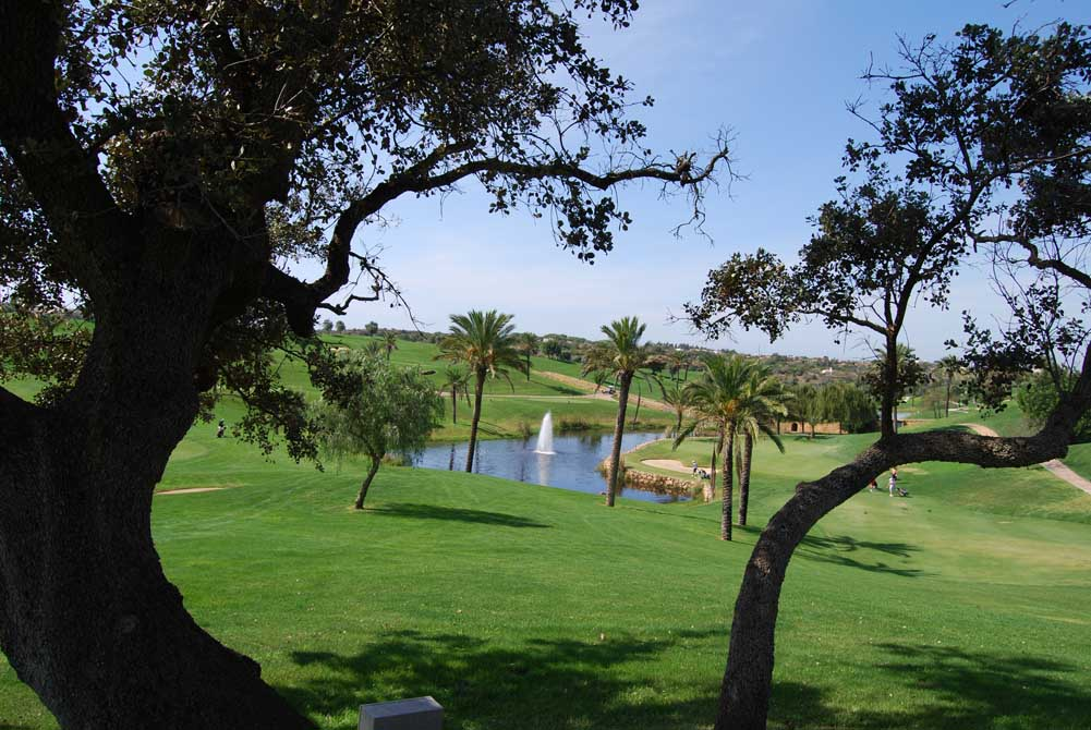 https://golftravelpeople.com/wp-content/uploads/2019/04/Pestana-Gramacho-Golf-Club-7.jpg