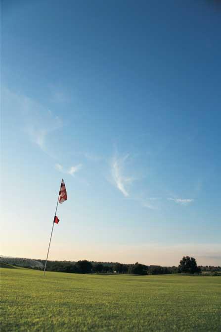 https://golftravelpeople.com/wp-content/uploads/2019/04/Pestana-Pinta-Golf-Club-2.jpg