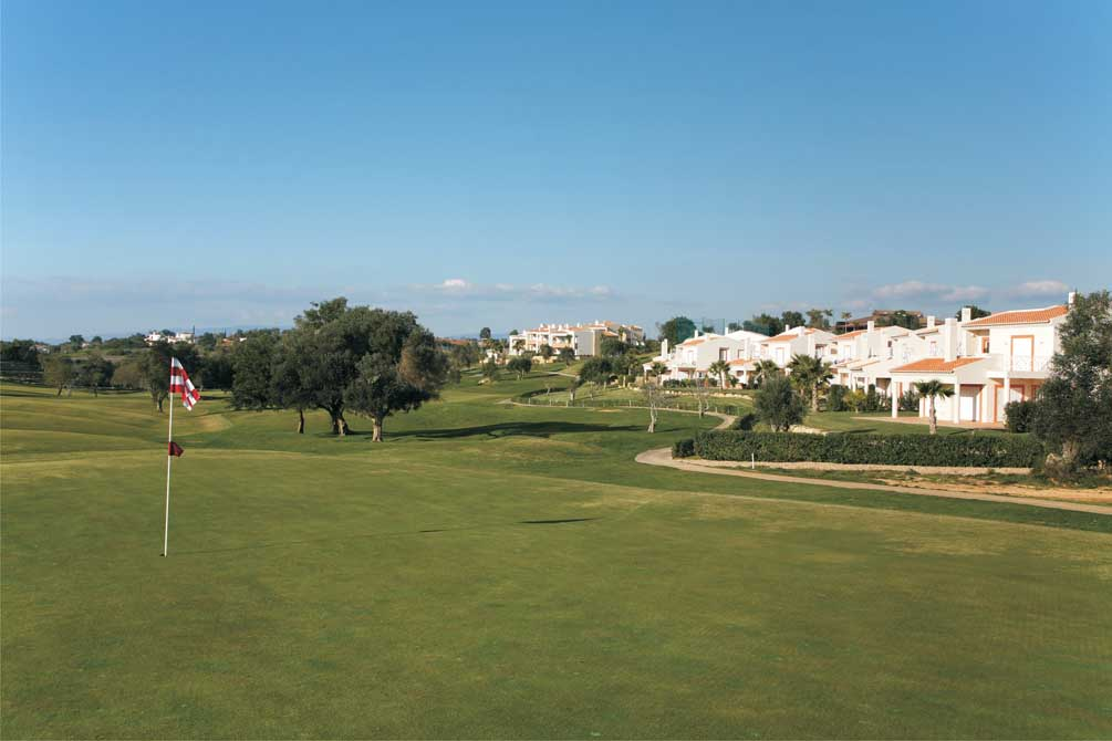 https://golftravelpeople.com/wp-content/uploads/2019/04/Pestana-Pinta-Golf-Club-4.jpg