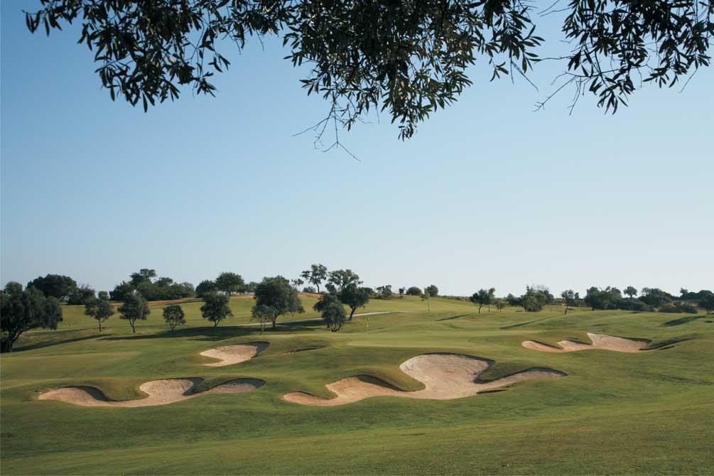 https://golftravelpeople.com/wp-content/uploads/2019/04/Pestana-Pinta-Golf-Club-5.jpg