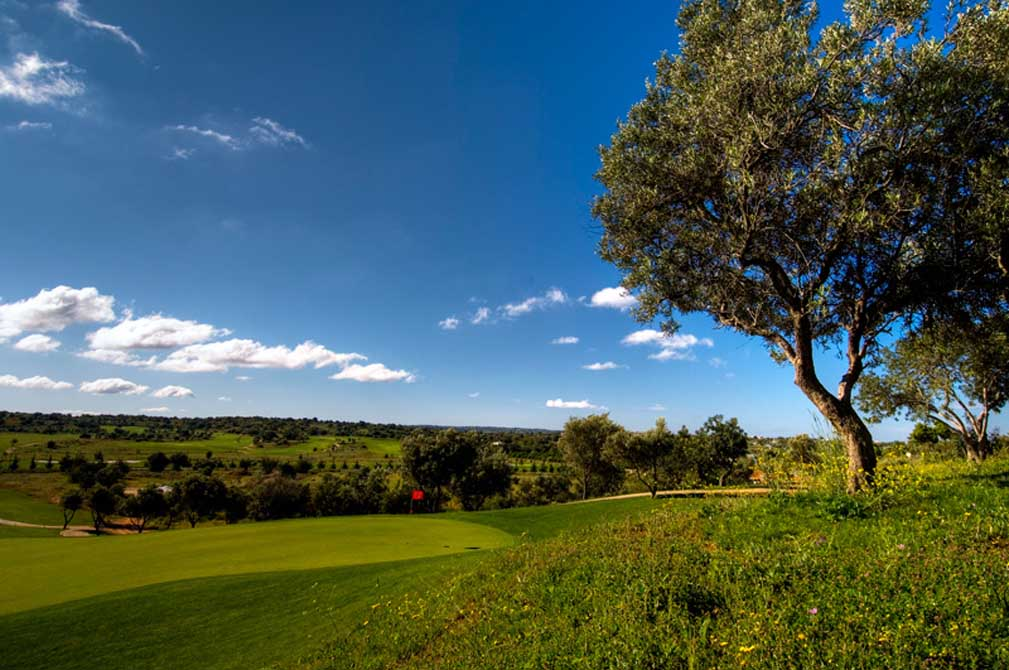 https://golftravelpeople.com/wp-content/uploads/2019/04/Pestana-Silves-Golf-Club-8.jpg
