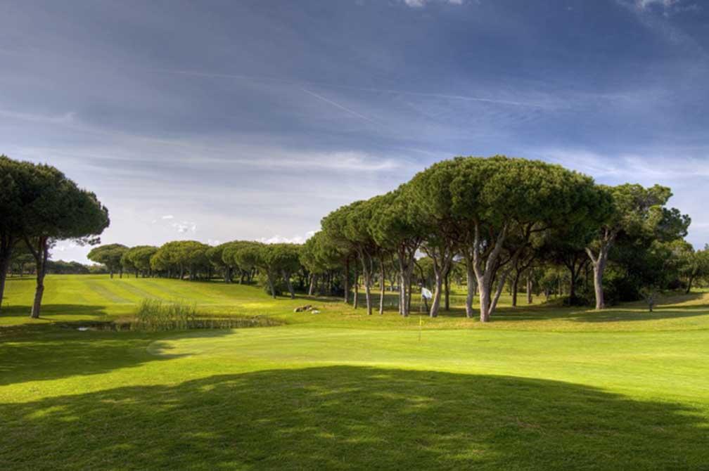 https://golftravelpeople.com/wp-content/uploads/2019/04/Pestana-Vila-Sol-Golf-Club-12-3.jpg