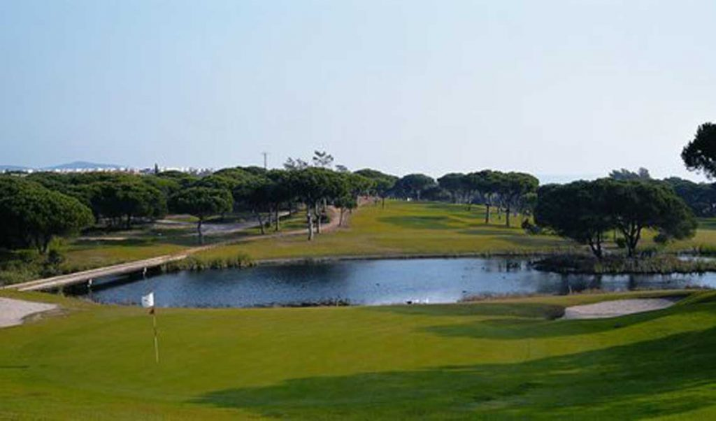 https://golftravelpeople.com/wp-content/uploads/2019/04/Pestana-Vila-Sol-Golf-Club-12-7-1024x602.jpg