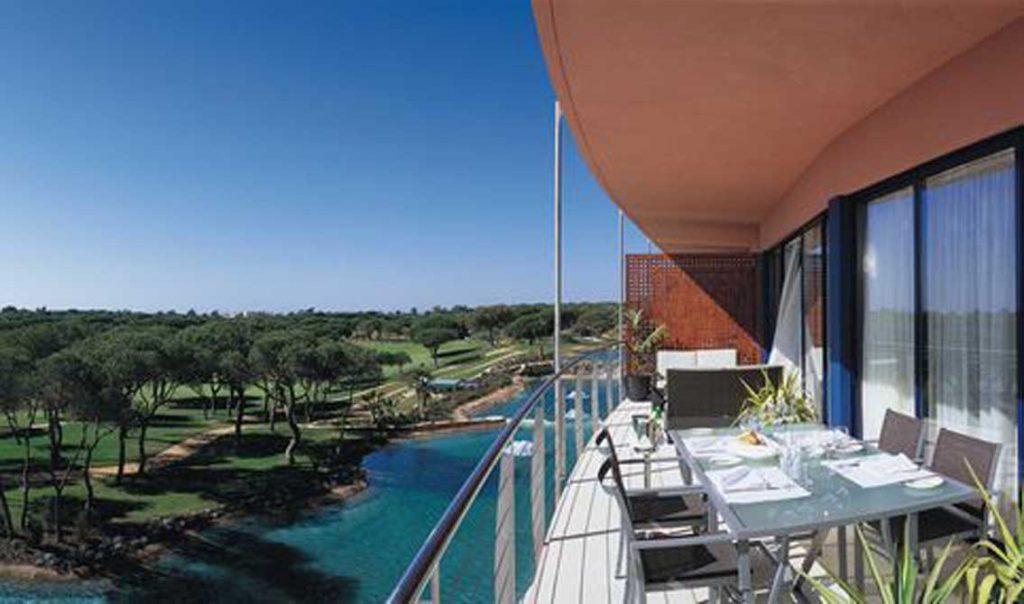 https://golftravelpeople.com/wp-content/uploads/2019/04/Pestana-Vila-Sol-Hotel-11-1024x604.jpg