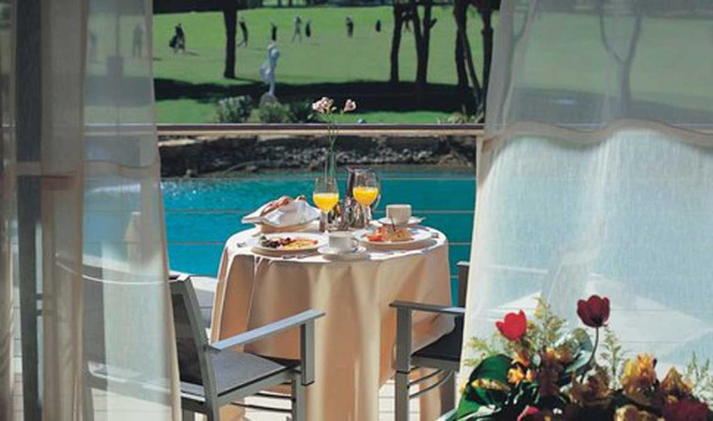 https://golftravelpeople.com/wp-content/uploads/2019/04/Pestana-Vila-Sol-Hotel-6-1024x604.jpg