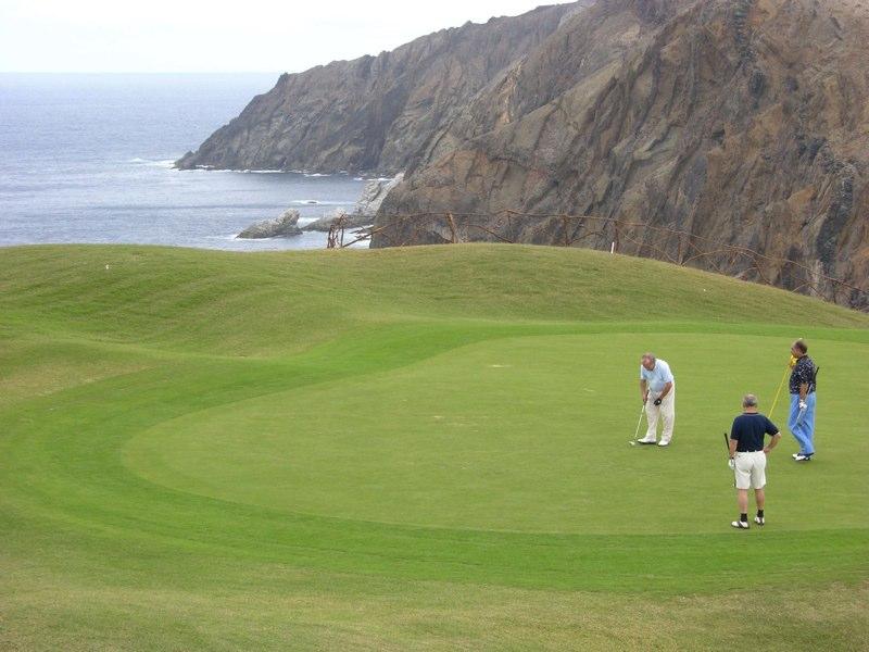 https://golftravelpeople.com/wp-content/uploads/2019/04/Porto-Santo-Golf-Club-Madeira-3.jpg