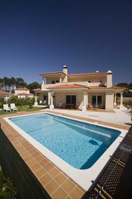 https://golftravelpeople.com/wp-content/uploads/2019/04/Praia-del-Rey-Holiday-Residences-3.jpg
