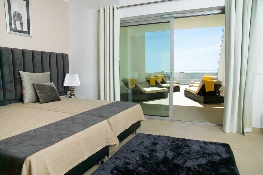 https://golftravelpeople.com/wp-content/uploads/2019/04/Praia-del-Rey-Holiday-Residences-6.jpg