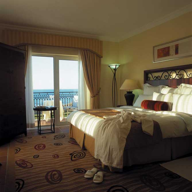 https://golftravelpeople.com/wp-content/uploads/2019/04/Praia-del-Rey-Hotel-2.jpg